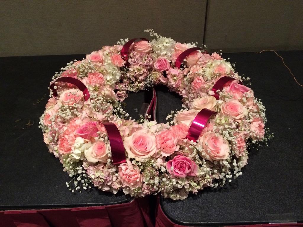 pink-floral-wreath-2016-glfe.jpg
